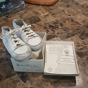 Vintage Baby Shoes Ideal Baby Shoe Company Size 2